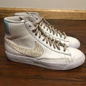 Nike shoe blazer women's size 7.5 white color